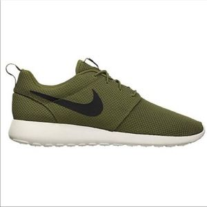 Nike | Men's Green Roshe Shoe Sz 11